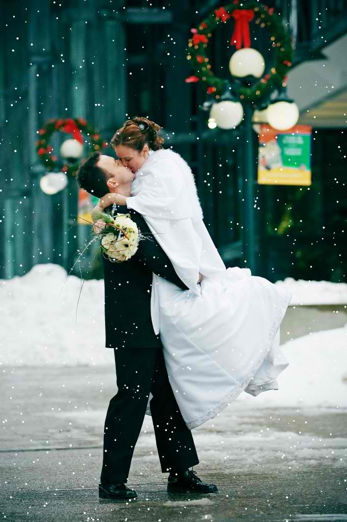 romantic-christmas-Winter-wedding-680x1024
